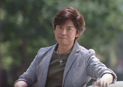 上川隆也の筋肉が凄い!厚い胸板まで見事に再現!