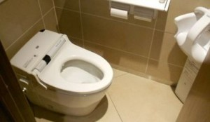 トイレ 蓋 なし